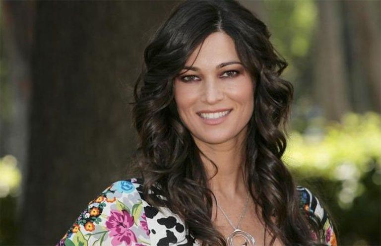 25. Manuela Arcuri
