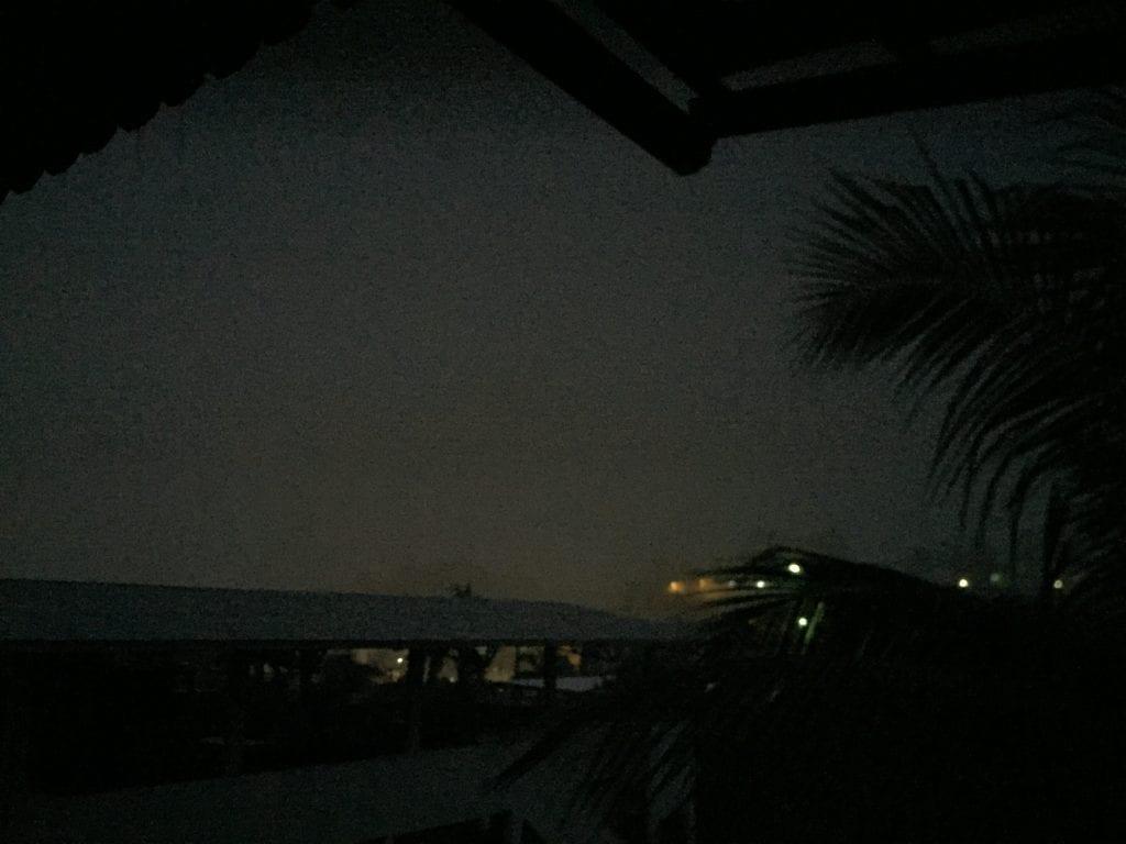 Presidente Kennedy mais uma vez as escuras devido a uma forte tempestade de raios